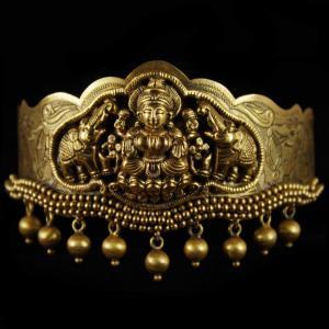 Antique Design Gold Plated Vanki