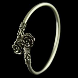 Silver Oxidized Floral Design Flexible Bangle