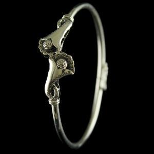 92.5 Sterling Silver Floral Design Flex Bangle