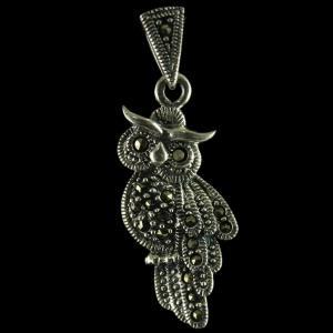 92.5 Sterling Silver Trendy Owl Design Pendant Studded Cristel Stones