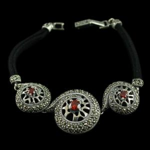92.5 Sterling Silver oxsided Fancy Design Bracelet Studded Crystal And Red onyx Stones