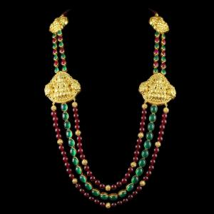 Gold Plated 3 Line Necklace Studded Green And Red Onyx Stones