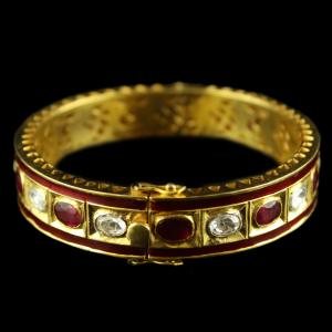 Gold Plated Kundan design Bangle
