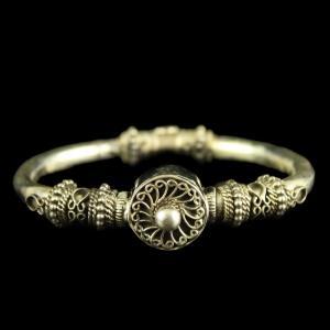 Antique Design Silver Bangle with Screw