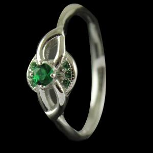 R872 Sterling Silver Ring Studded Zircon Stone