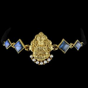 Gold Plated God Design Vanki Bajuband Studded Ladorite And Pearls