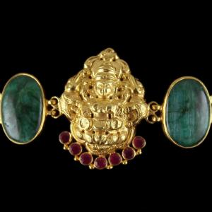 Gold Plated God Design vanki Bajuband Green Onyx Stones And Thrad