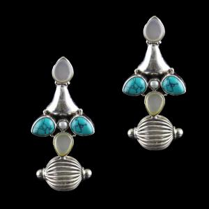 Silver Oxidized Earring Studded Turquoise And Pearls