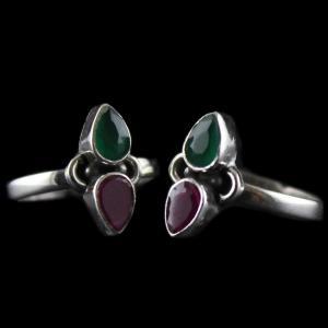 Silver Fancy Design Toe Ring Studded Red,Green Onyx