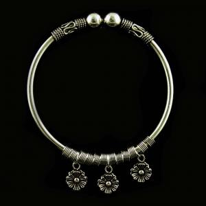 SILVER OXIDIZED KADA BANGLES WITH HEARTS