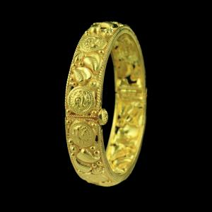 GOLD PLATED KADA AND SCREW BANGLE