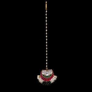 GOLD PLATED KUNDAN STONE MANGTIKA WITH PEARL BEADS