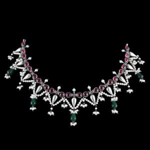 OXIDIZED SILVER THREAD NECKLACE WITH GREEN HYDRO AND RED ONYX WITH PEARL STONES