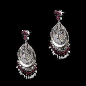 OXIDIZED SILVER KUNDAN AND CHANDBALI EARRINGS WITH RUBY AND PEARLS