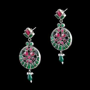 OXIDIZED SILVER KUNDAN CHANDBALI EARRINGS WITH JADE AND PEARLS
