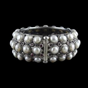 OXIDIZED SILVER PEARL BRIDAL BANGLE