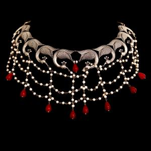 OXIDIZED SILVER PEACOCK NECKLACE WITH PEARL AND RED ONYX BEADS