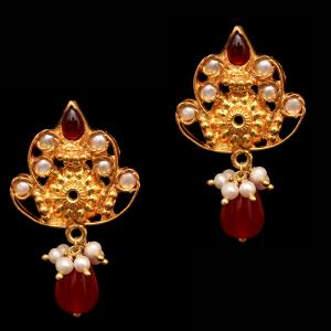 GOLD PLATED RED ONYX AND PEARL BEADS DROPS EARRINGS