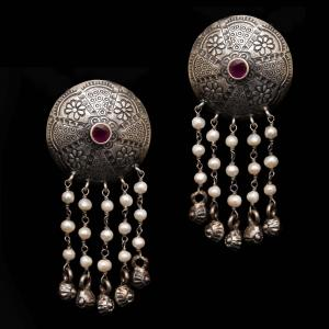 OXIDIZED SILVER RED CORUNDUM AND PEARL BEADS DROPS EARRINGS