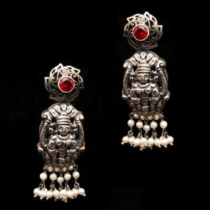 OXIDIZED SILVER LAKSHMI NAKASH RED CORUNDUM AND PEARL BEADS DROPS EARRINGS