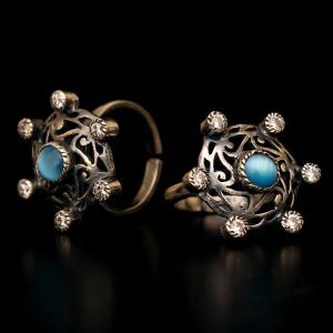 OXIDIZED SILVER TOE RINGS WITH MONALISA AND CZ STONE