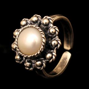 OXIDIZED SILVER PEARL RING