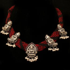 OXIDIZED SILVER NAKASH THREAD NECKLACE WITH RED CORUNDUM AND PEA