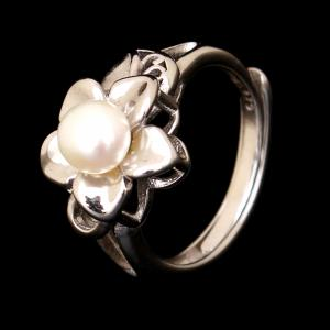 STERLING SILVER PERAL RING