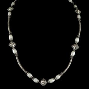 OXIDIZED SILVER PEAL NECKLACE