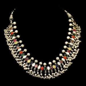 OXIDIZED SILVER NAVARATNA AND PEARL BEADS NECKLACE