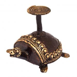 BASTAR TORTOISE CANDLE STAND