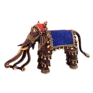 3 TRUNK ELEPHANT