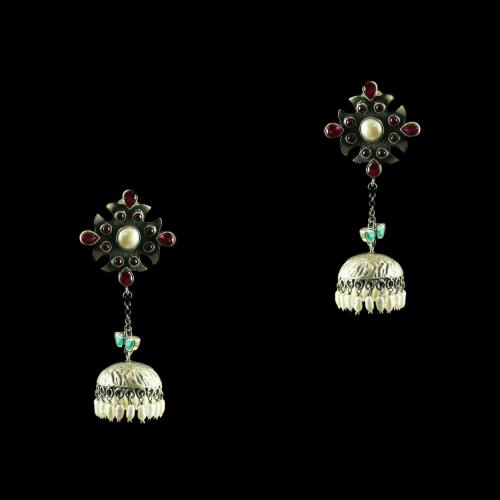 Silver Fancy Design Earring Studded Onyx