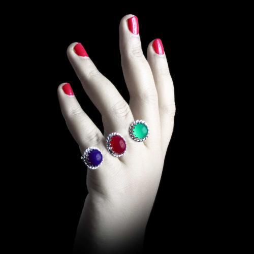 Oxsided Ring Studded Onyx Stones