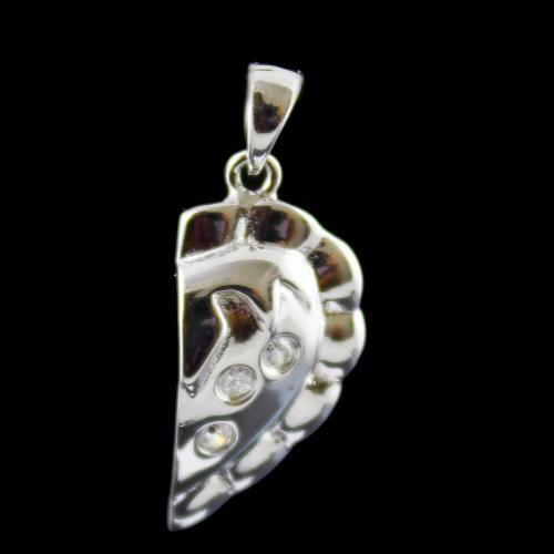 Leaf Design Pendant Studded Zircon Stones