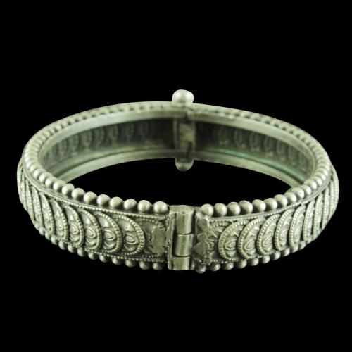 Antique Design Lakshmi Screw Bangle