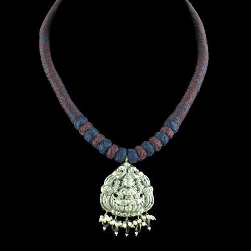 OXIDIZED LAKSHMI THREAD NECKLACE WITH PEARL AND GARNET BEADS