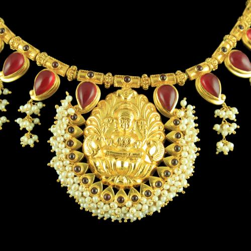 GOLD PLATED LAKSHMI WITH RED ONYX AND PEARL BEADS NECKLACE