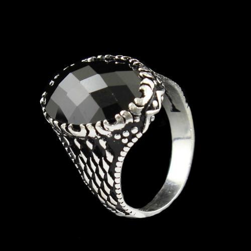 OXIDIZE BLACK SPINEL RING