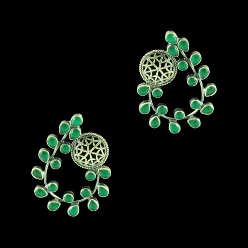 OXIDIZED SILVER FLORAL EARRINGS WITH EMERALD