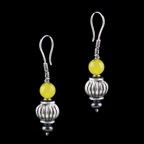 OXIDIZED SILVER HANGING EARRINGS WITH YELLOW QUARTZ AND BLACK PEARLS