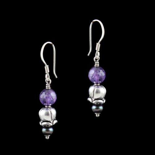 OXIDIZED SILVER HANGING EARRINGS WITH PURPLE QUARTZ AND BLACK PEARLS
