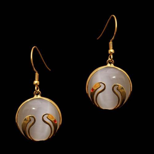 GOLD PLATED MONALISA STONE HANGING EARRINGS