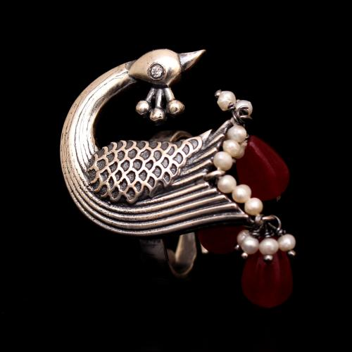 OXIDIZED SILVER RED OYNX AND PEARL PEACOCK RING