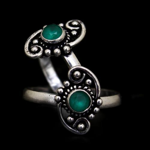 OXIDIZED SILVER GREEN CORUNDUM TOE RINGS