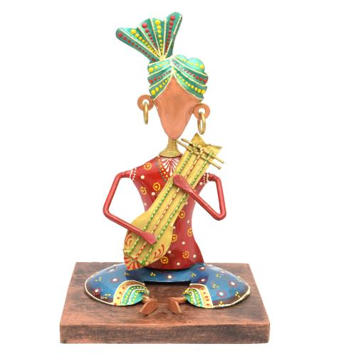 IRON PAINTED SITTING SARDAR MUSICIAN WDN STAND