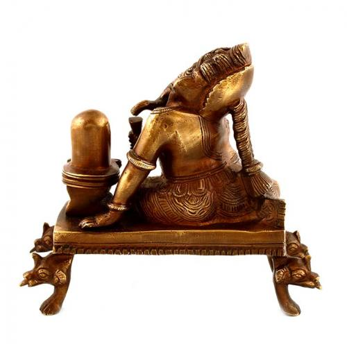 GANESHA SITTING WITH SHIVLING