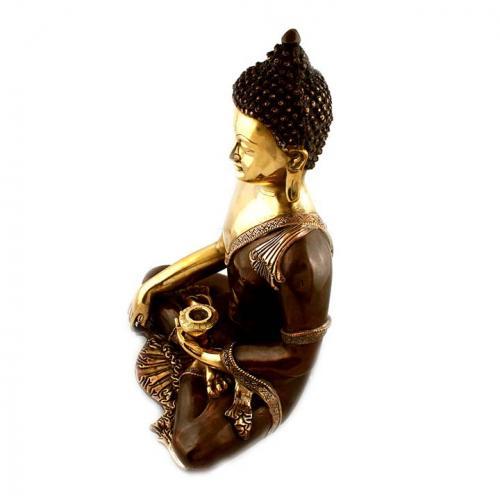 BUDDHA SITTING WITH LOTA