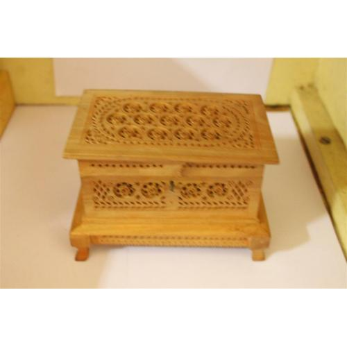 WHITE WOOD HANDICRAFTS
